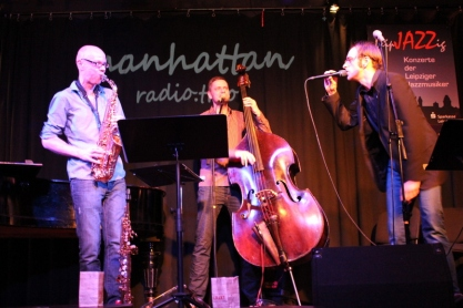 manhattan.radio.trio / Matthias Knoche @ plan b