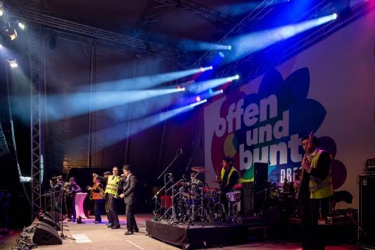 """Konzert - """"Offen und bunt – Dresden für alle!"""" © 2015 Michael Schmidt - www.schmidt.fm"""
