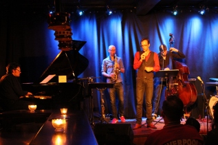 manhattan.radio.trio w/ Matthias Knoche